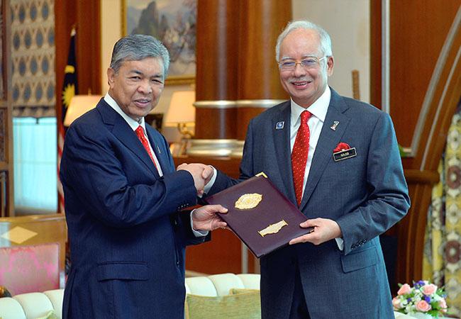najib razak congratules new appointed deputy prime minister zahid hamidi putrajaya